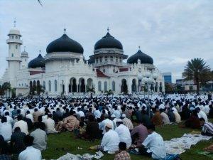 shalat-ied di masjid AR-RAHMAN