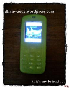 GREEN HANDPHONE
